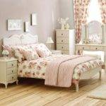 Bedroom Furniture Arrangements