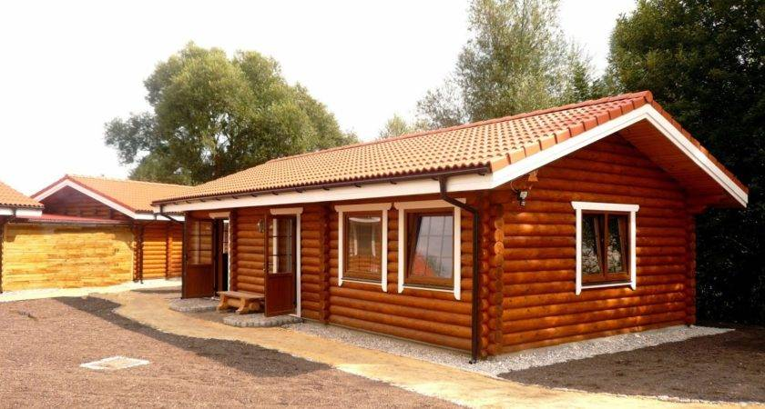 Building Eco Wooden House Round Logs Houses