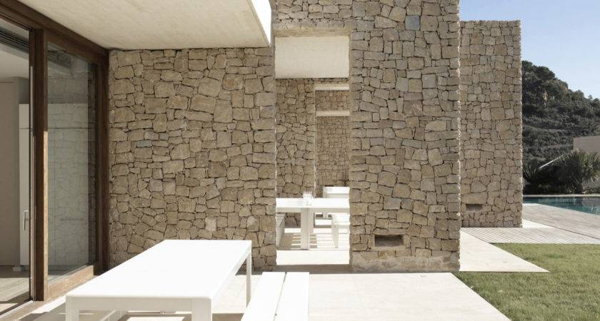Captivating Modern Home Monasterios Spain