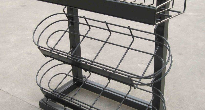 China Counter Metal Wire Hanging Baskets Display Photos