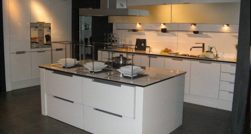 China White Lacquer Kitchen Cabinet Photos