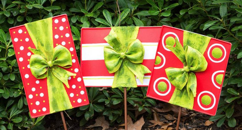 Christmas Gift Box Door Decoration Lawn Ornaments Set
