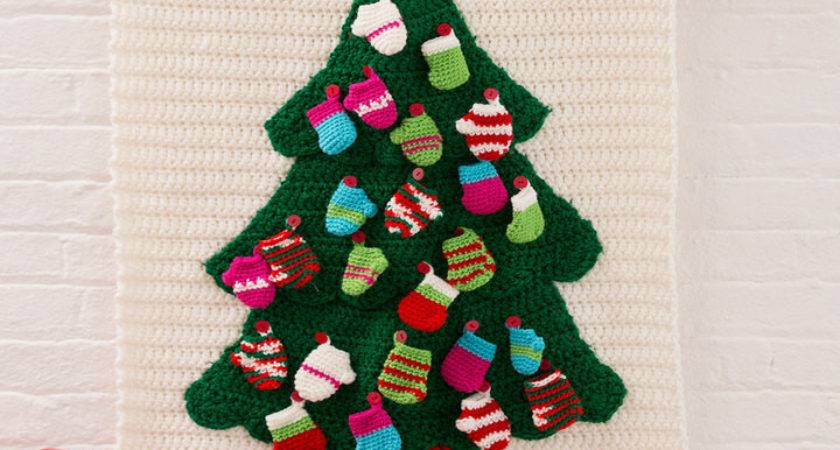Christmas Tree Wall Hanging Red Heart
