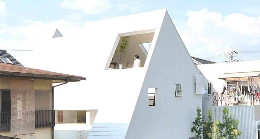 Compact Montblanc House Japan Adelto