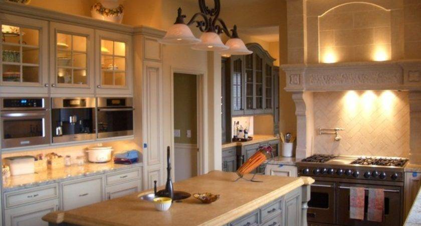 Cozy Country Kitchen Island Granite Countertops
