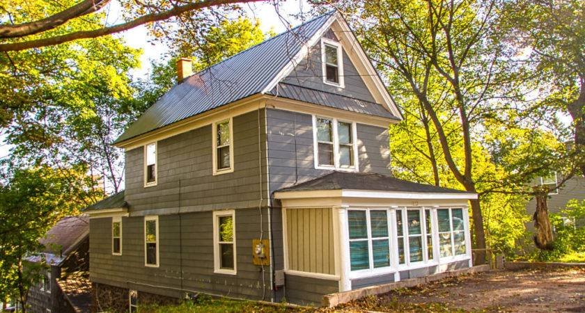 Cozy House Copper Country Rentals