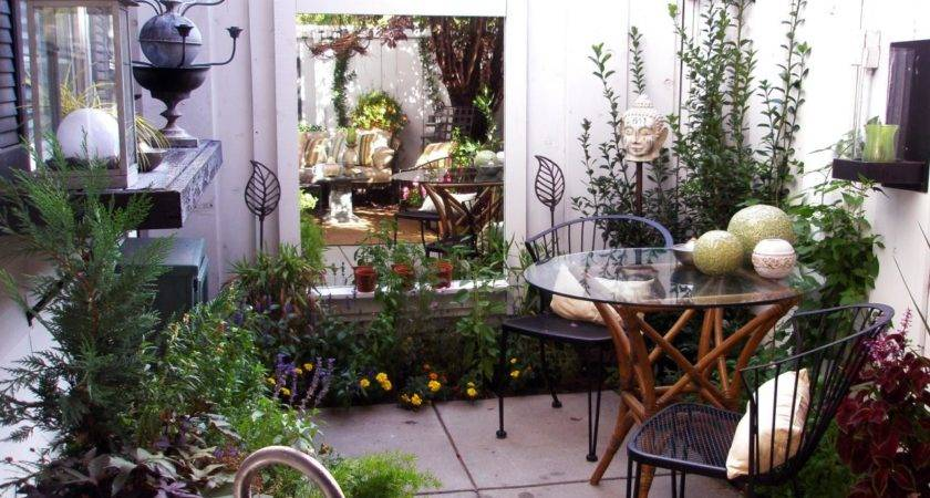 Cozy Intimate Courtyards Outdoor Spaces Patio Ideas