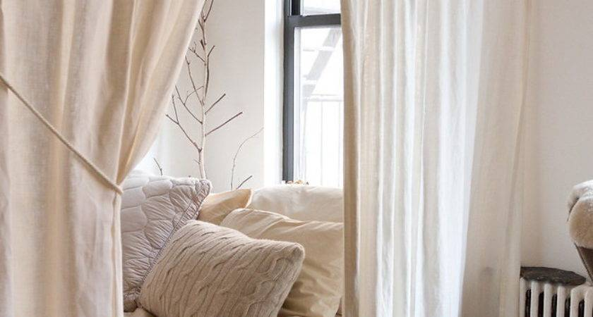 Create Dreamy Bedrooms Using Bed Curtains