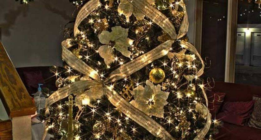 Creative Beautiful Christmas Tree Decorating Ideas