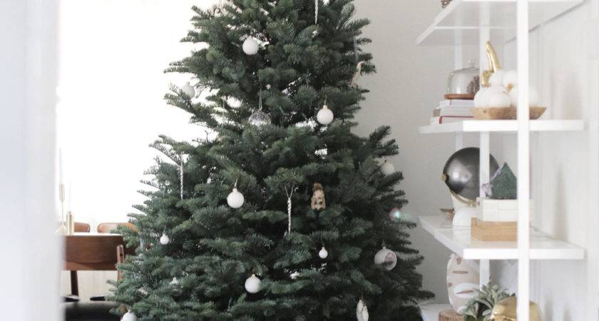 Decorate Modern Christmas Tree