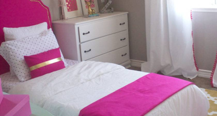 Decorating Small Bedroom Little Girl