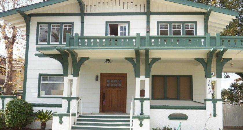 Indian Population Resides Famous House Types