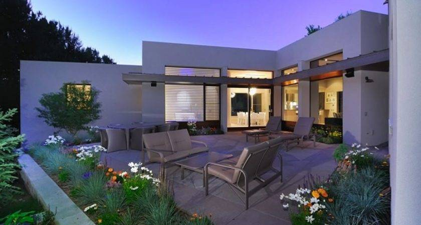 Modern Stucco Home Patio Decoist