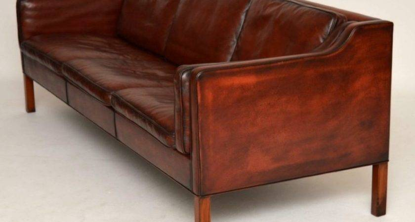 Old Fashioned Leather Sofas Brokeasshome