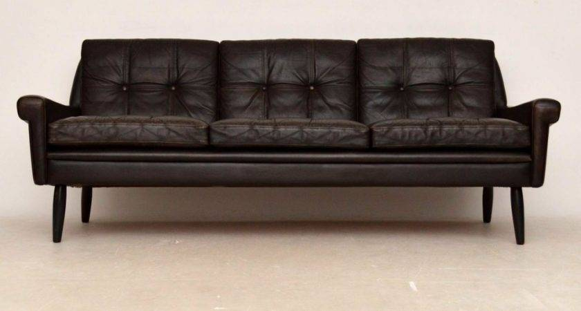 Old Fashioned Sofa Interesting Traditional Leather