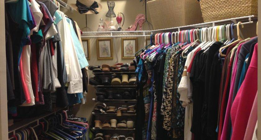 Organized Closet Chicagoland Home Staging