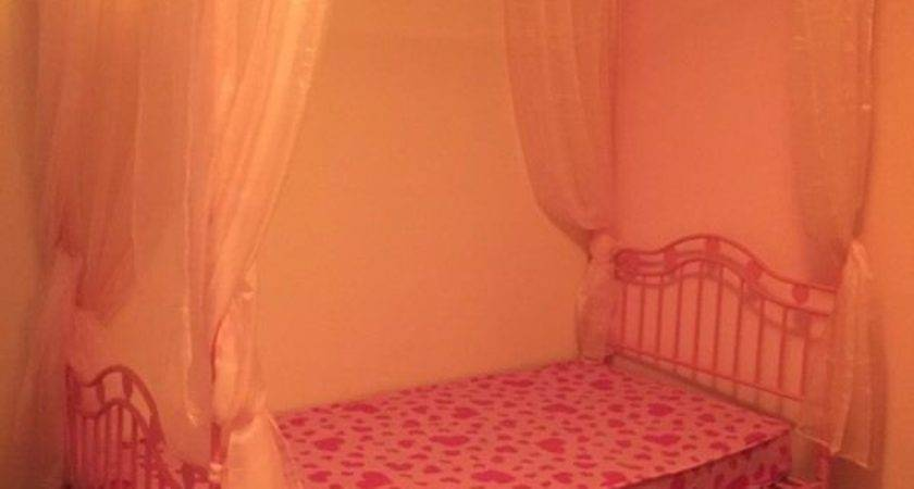 Pink Single Poster Bed Buy Sale Trade Ads Great
