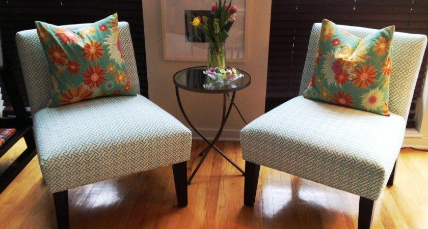 Small Room Design Living Chairs Ideas