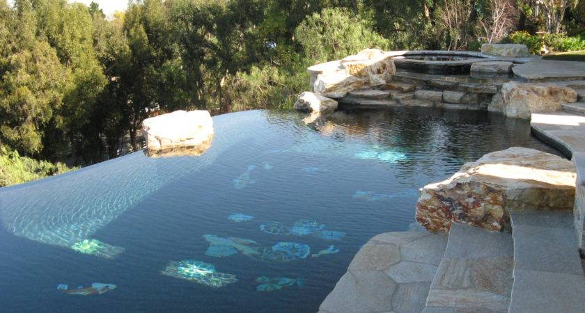 Spectacular Infinity Pools Rock Your Senses
