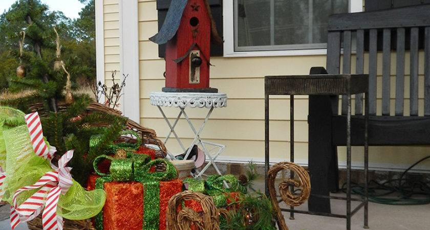 Stunning Christmas Porch Ideas Decorating