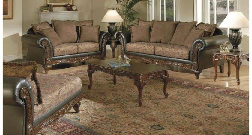 Things Should Know Traditional Living Room