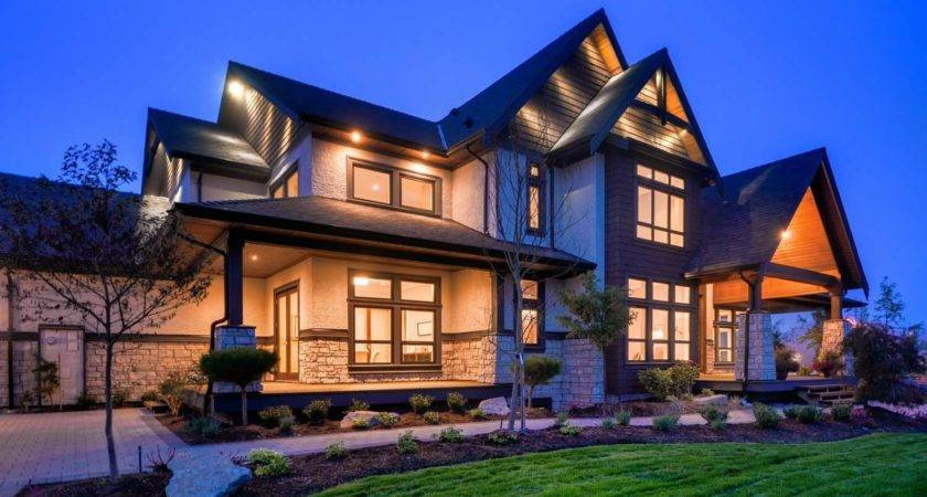 Transitional Style Home British Columbia Showcases