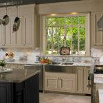 Two Toned Kitchens Cabinets Ideas Decorating