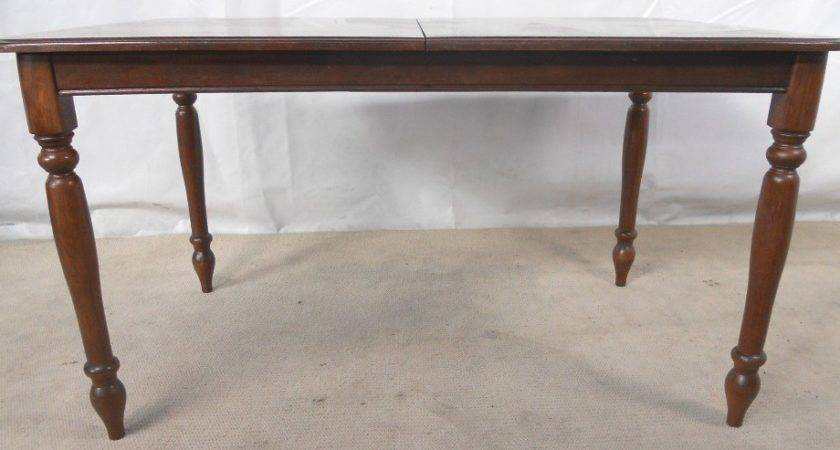 Victorian Style Mahogany Extending Dining Table