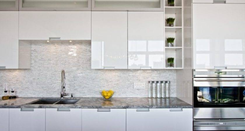 White Lacquered Pro Kitchen Oxxford Penthouse